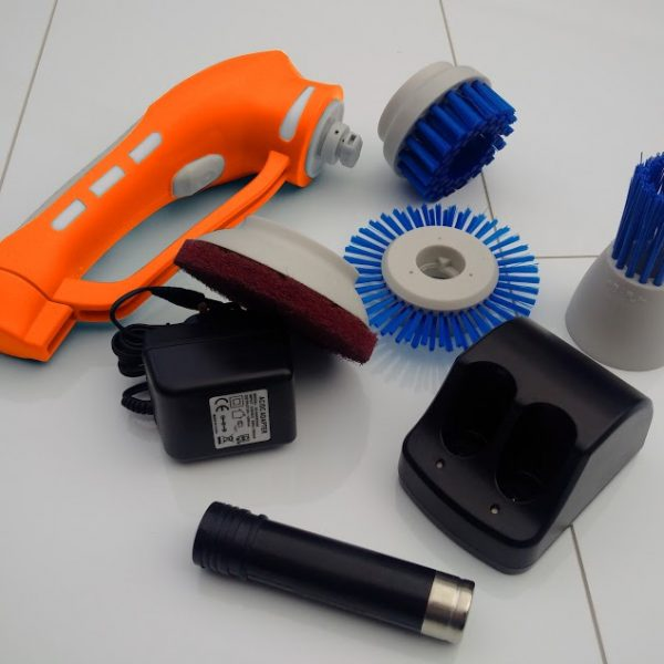 Clean with iVo Power Brush