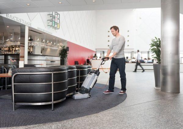 Nilfisk Alto SC100 upright scrubber dryer, 240v 4L